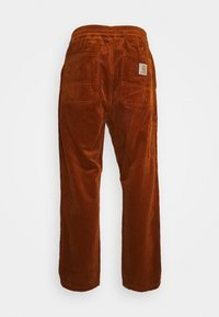 Carhartt WIP - FLINT PANT BARRINGTON - Chinos - brandy rinsed - 1