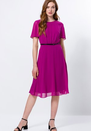 Day dress - magenta rouge