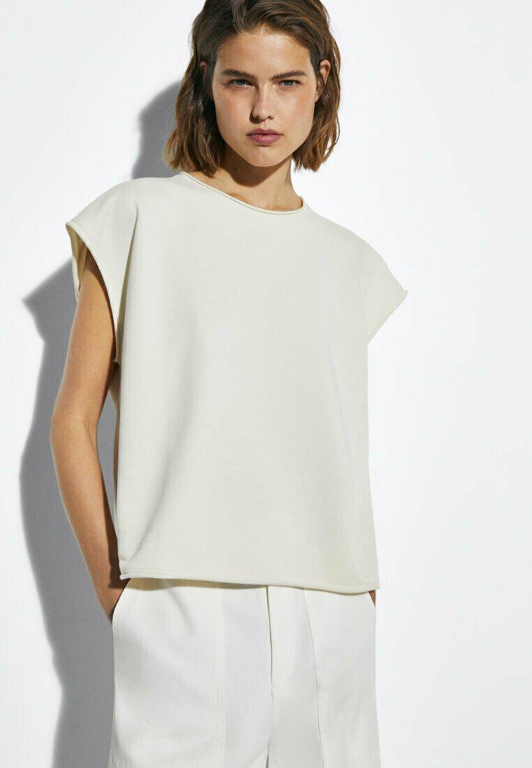 Massimo Dutti - MIT WELLENDETAIL - Basic T-shirt - beige