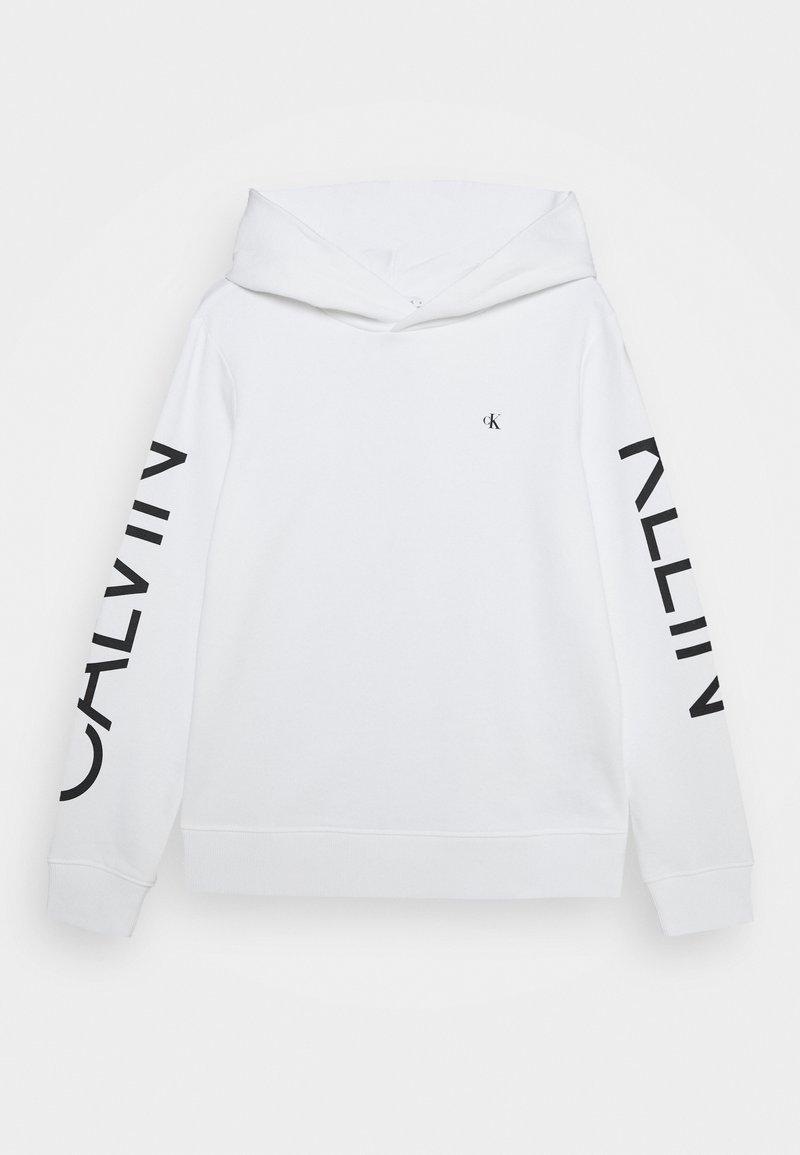 Calvin Klein Jeans - HERO LOGO HOODIE - Hoodie - white