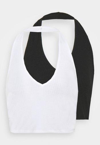 MAYA HALTER NECK CROP WITH OPEN BACK AND LOW V NECK 2 PACK - Topper - black/white