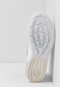 Nike Sportswear - AIR MAX AXIS - Trainers - black/spirit teal/white/platinum tint - 5