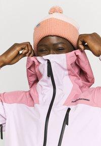 Peak Performance - VERTICAL 3L JACKET - Ski jacket - frosty rose - 3
