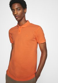 TOM TAILOR DENIM - WITH SMALL EMBROIDERY - Polo shirt - orange neon - 4