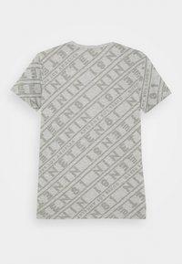 Guess - JUNIOR - T-shirt imprimé - grey - 1