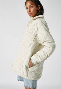 PULL&BEAR - Płaszcz zimowy - beige - 3