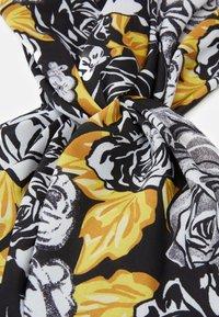 Versace - FASCIA CON NODO - Accessoires cheveux - bianco/nero/oro - 5