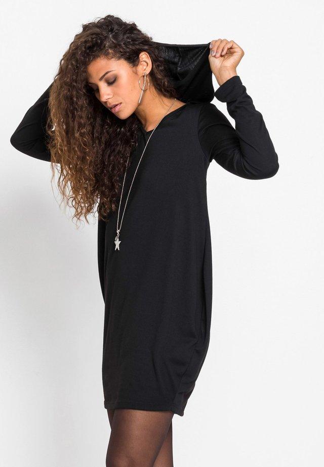 MIT KAPUZE - Jerseykleid - schwarz