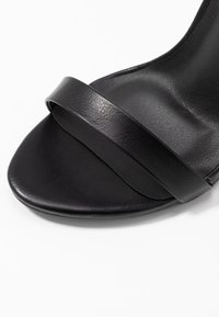 Missguided - BASIC BARELY THERE - Sandalias de tacón - black - 2