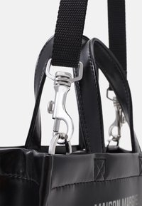 MM6 Maison Margiela - BORSA MANO - Handbag - black - 5