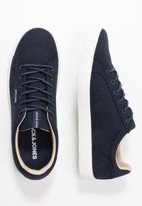 Jack & Jones - JFWTRENT - Sneakersy niskie - navy blazer - 1