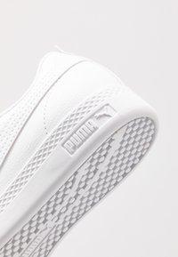Puma - SMASH - Sneakersy niskie - white/rosewater - 2