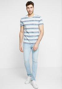 Solid - TJANOS - Print T-shirt - air blue - 1