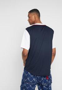 Karl Kani - COLLEGE BASEBALL SHIRT - Shirt - navy/white/red - 2