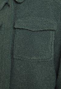 ONLY - ONLMARINA CROP JACKET - Light jacket - balsam green - 5