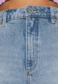 Abrand Jeans - A VENICE - Denim shorts - april - 3