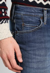Mustang - TRAMPER - Slim fit jeans - super stone washed - 3