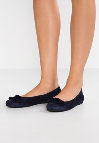 Pretty Ballerinas - ANGELIS - Ballet pumps - navy/blue - 0