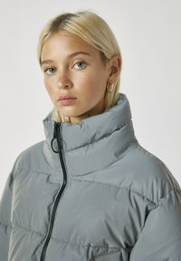 PULL&BEAR - Winter jacket - metallic grey - 4