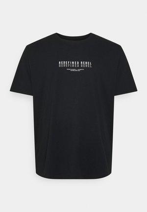 TEE PLUS - Camiseta estampada - black