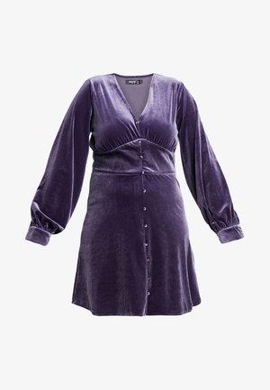 BUTTON FLARED MINI DRESS - Vapaa-ajan mekko - purple