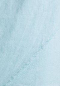 NA-KD - MINI DRESS - Koktejlové šaty/ šaty na párty - dusty blue - 2
