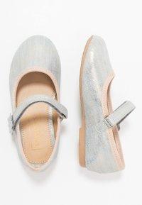 Friboo - Ballerina's met enkelbandjes - light blue - 1