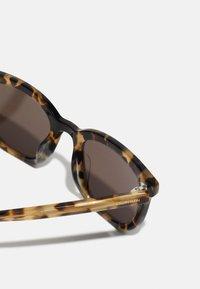 Calvin Klein - UNISEX - Sunglasses - brown - 3