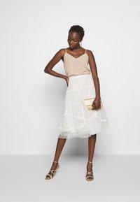 Needle & Thread - PENNYFLOWER EXCLUSIVE - Áčková sukně - moonshine white - 1