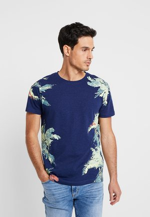 NEW PLACEMENT - T-shirt med print - cosmos blue