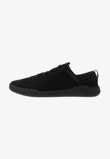 HEX - Sneakersy niskie - black