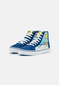Vans - UY VANS X SPONGEBOB SK8-HI ZIP UNISEX - High-top trainers - dark blue/multicolor - 1