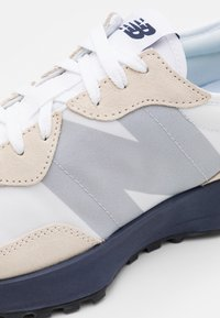 New Balance - 327 - Zapatillas - munsell white - 7