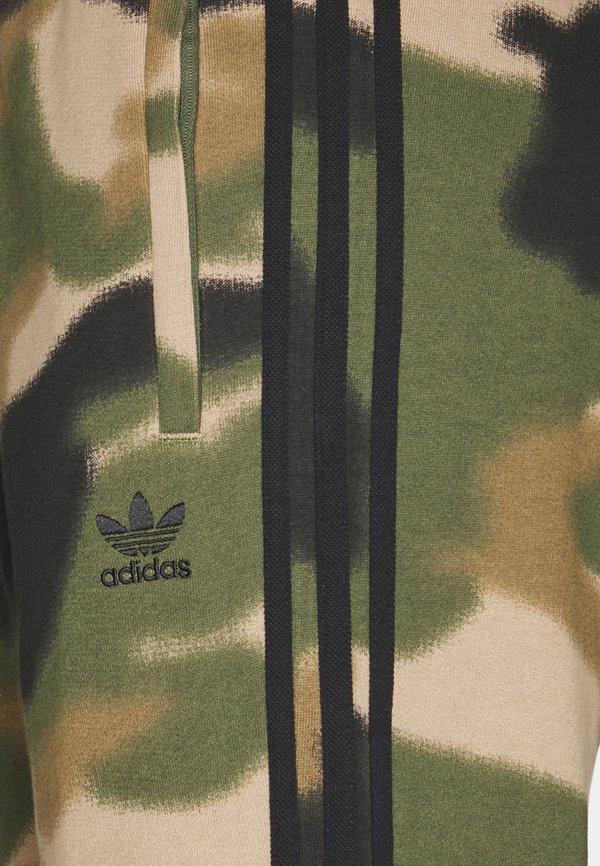 adidas Originals CAMO PANT - Spodnie treningowe - wilpin/multcolor/black/oliwkowy Odzież Męska MLGF