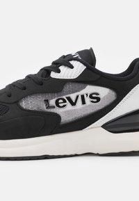 Levi's® - FAST - Trainers - black/white - 5