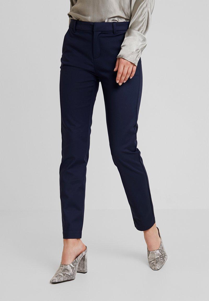 Vero Moda - VMLEAH CLASSIC PANT - Trousers - night sky
