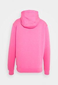 Nike Sportswear - CLUB HOODIE - Hættetrøjer - pinksicle/white - 1
