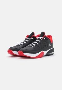 Jordan - MAX AURA 3 - Korkeavartiset tennarit - black/white/university red - 1