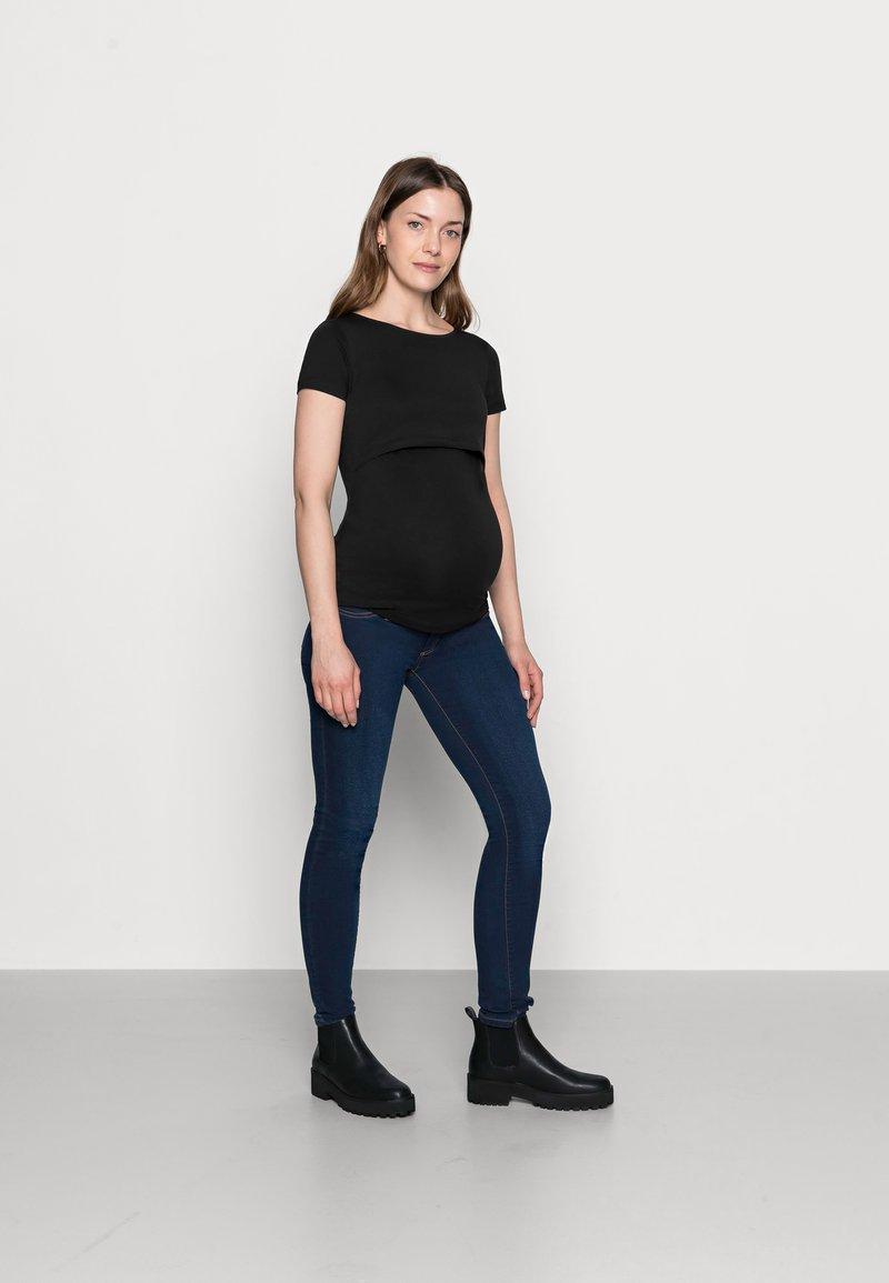 Anna Field MAMA - NURSING 2er PACK - Basic T-shirt - Camiseta básica - dark blue/black