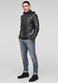Q/S designed by - Imitatieleren jas - black - 1