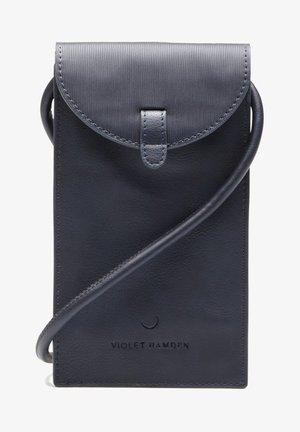HAMDEN  - Phone case - blau