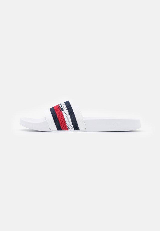 SLIDE - Pantofle - white