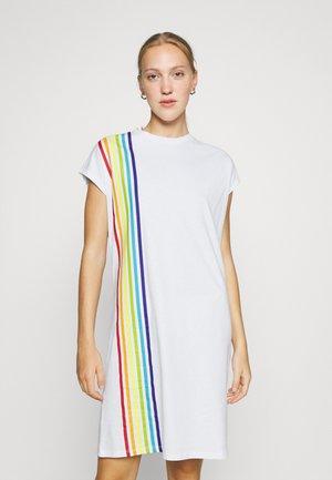 BOXY FIT T-SHIRT DRESS - Jersey dress - white