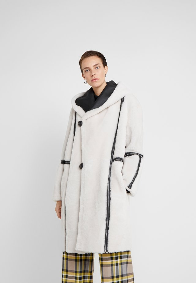 HOOD COAT REVERSIABLE - Classic coat - black/white