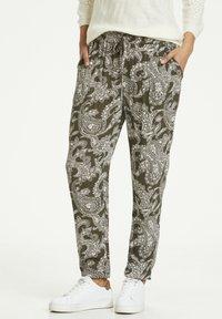Kaffe - ROKA AMBER PANTS - Trousers - grape leaf new paisley - 0