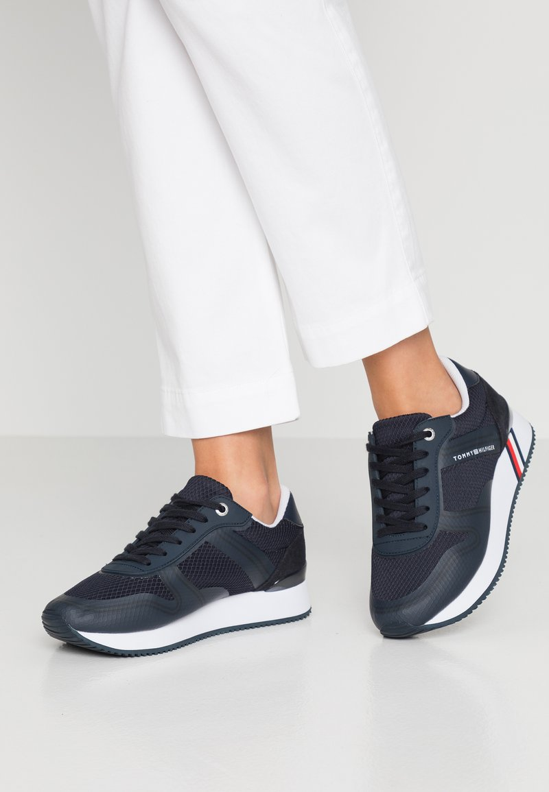 Tommy Hilfiger - ACTIVE CITY  - Sneaker low - blue