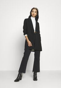 ONLY - ONLAYA COAT - Cappotto corto - black - 1