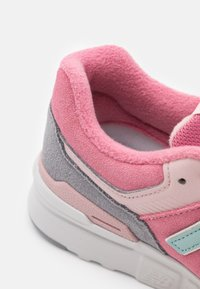 New Balance - Trainers - pink - 5
