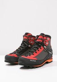 Salewa - MS CROW GTX - Mountain shoes - black/papavero - 2