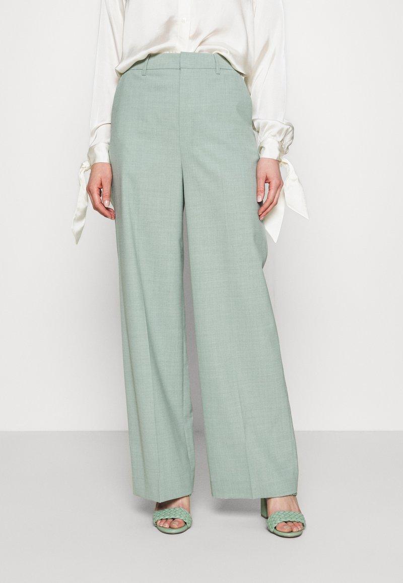 Gestuz - AMALIGZ WIDE PANTS - Trousers - slate gray